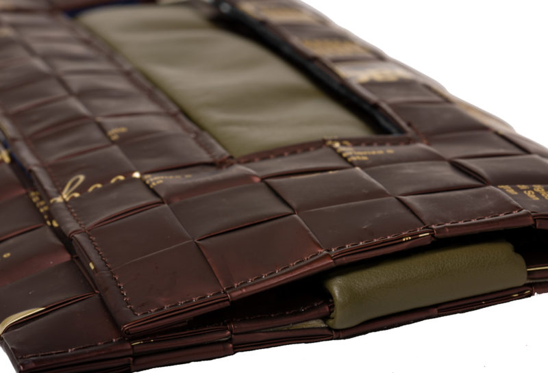 Meraky AROMA collection Ristretto clutch bag chocolate detail